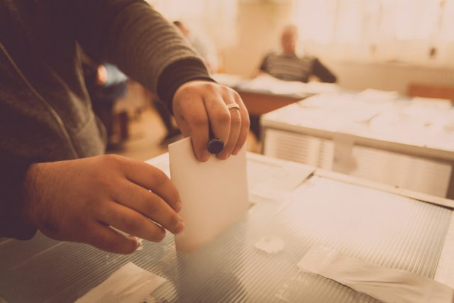 Lawmakers Battle with Ballots
